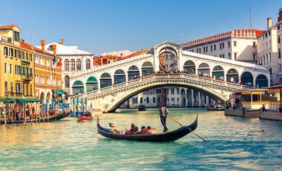 Laisse les gondoles à Venise ! 😁