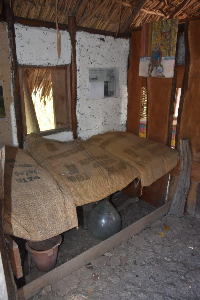 martinique savane des esclaves case traditionnelle