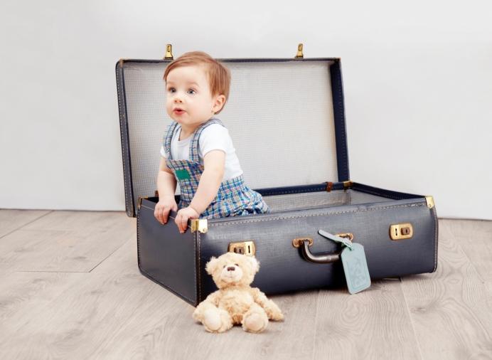 Préparer votre premier voyage en avion avec bébé.